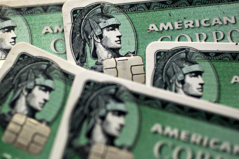 American Express credit cards. Photo: Bloomberg Photo By Andrew Harrer. / © 2017 Bloomberg Finance LP