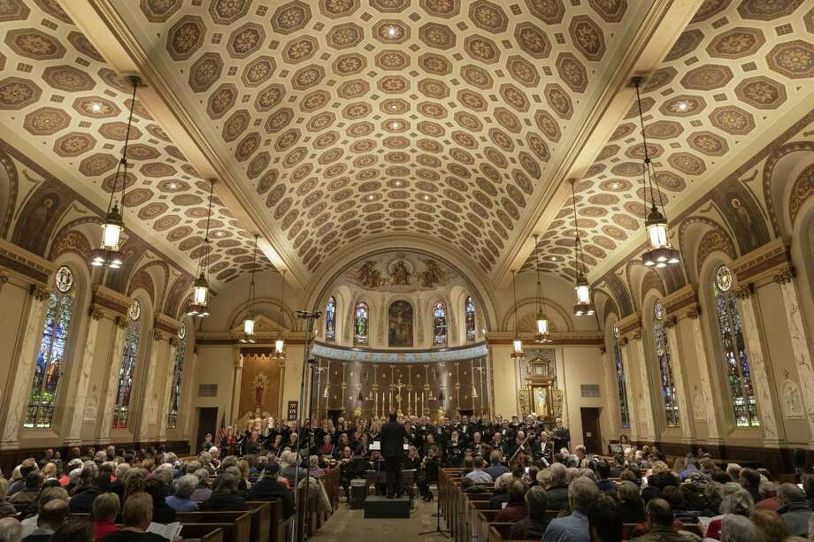The New Haven Chorale will perform at the Cathedral of St. Joseph in Hartford Friday and Woolsey Hall Sunday, April 28. Photo: Alice Hummel / New Haven Chorale / HAROLD SHAPIRO