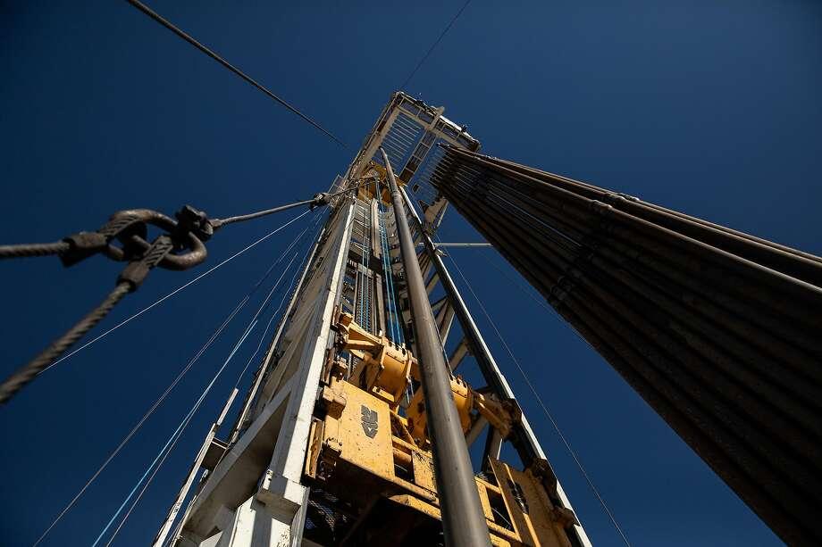 An oil drilling rig on a Parsley Energy facility near Midland, Texas, on Jan. 24, 2019. Photo: Tamir Kalifa, NYT