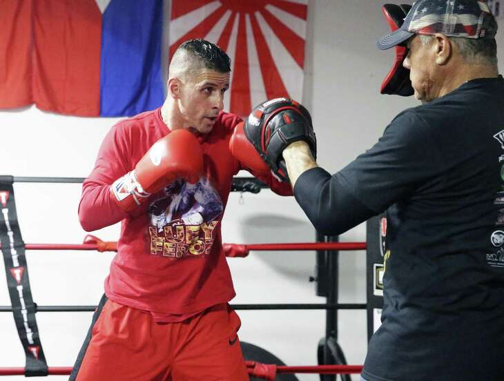 Luis Villarreal plans to file a complaint with state boxing regulators after losing in the first round Saturday night.