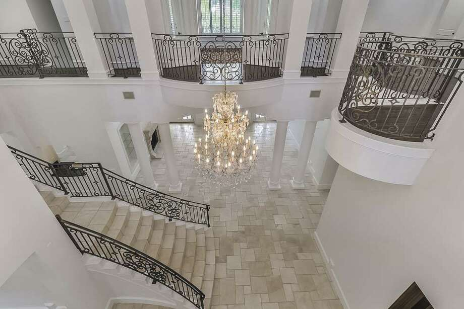 Estate for sale is located in heart of Hunters Creek Village
