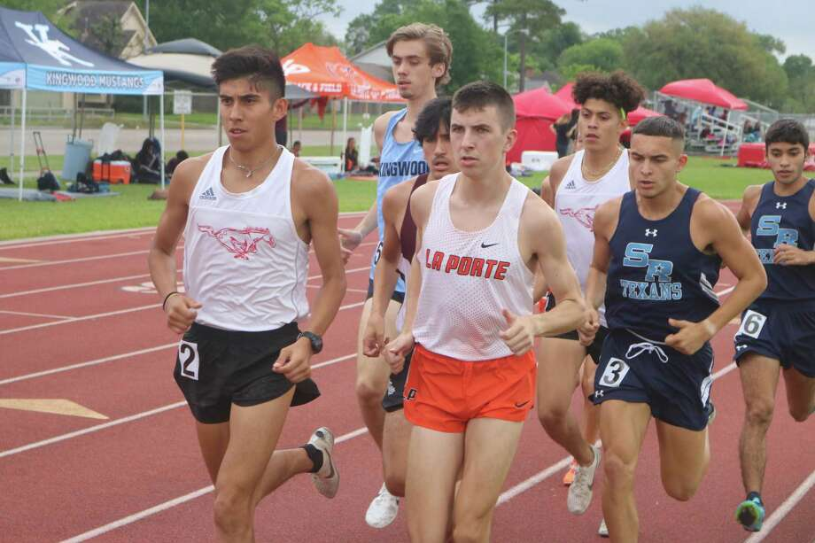 Early in the 3200-meter run Wednesday, Ryan Schoppe finds himself in a pack. The defending state champion eventually pulled away, setting up another exciting Region III date next weekend. Photo: Robert Avery