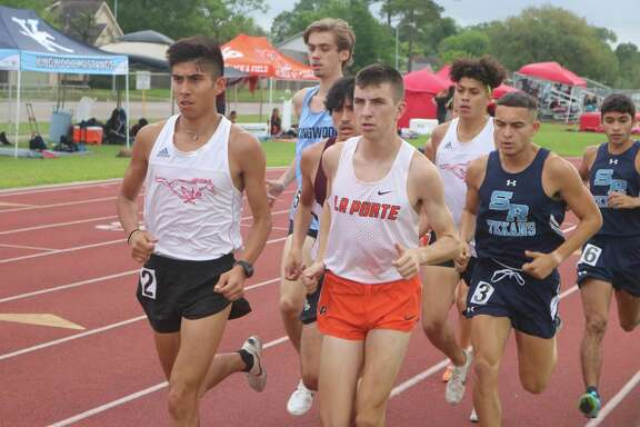Early in the 3200-meter run Wednesday, Ryan Schoppe finds himself in a pack. The defending state champion eventually pulled away, setting up another exciting Region III date next weekend.