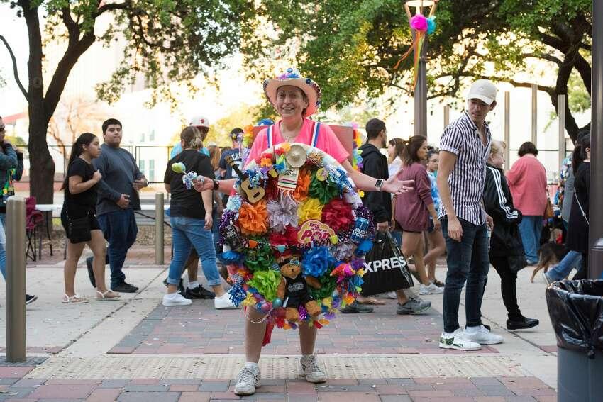 San Antonians kicked off the official start to Fiesta 2019 at Hemisfair for Fiesta Fiesta on Thursday, April 18, 2019.
