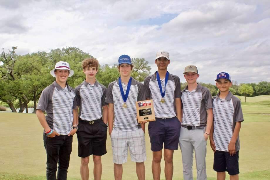 PCA boys (L-R): Caleb Snellgrove, Brendon Brown, Ronnie Belt, Cameron Holt, Hagen Pitts and Jaidyn Vigil  Both Plainview Christian Academy golf teams placed third at the TAPPS State Competition this week. Photo: Don Brown/For The Herald
