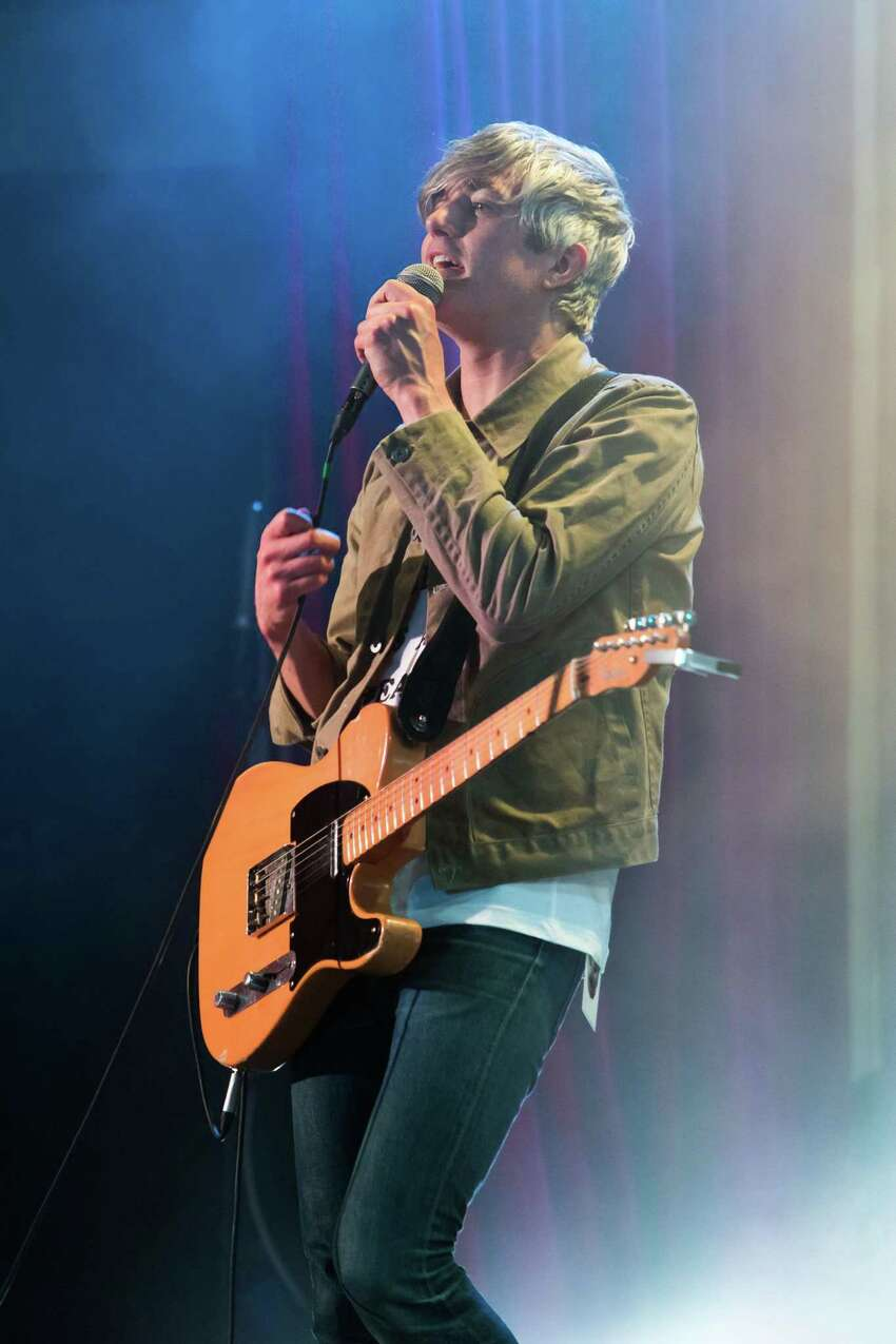 We Are Scientists: New York indie-rock duo We Are Scientists may have mainstream musical tastes; singer Keith Murray, above, cited Bowie, Fleetwood Mac and Top 40 pop in a recent interview. The songs on