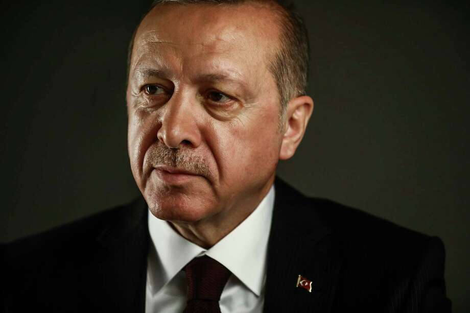 Recep Tayyip Erdogan, Turkey's president, poses for a photograph following a a Bloomberg Television interview in London on May 14, 2018. Photo: Bloomberg Photo By Simon Dawson. / © 2018 Bloomberg Finance LP