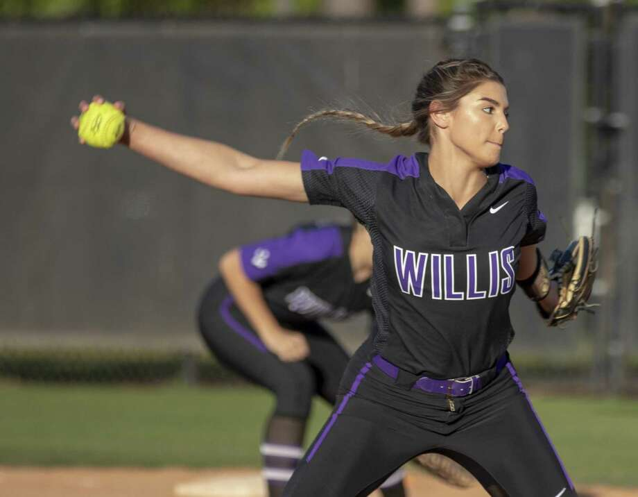 Willis pitcer Ashley Vallejo (2) winds up for a pitch during a District 20-5A softball game Tuesday, March 26, 2019 in Willis. Photo: Cody Bahn, Houston Chronicle / Staff Photographer / © 2018 Houston Chronicle