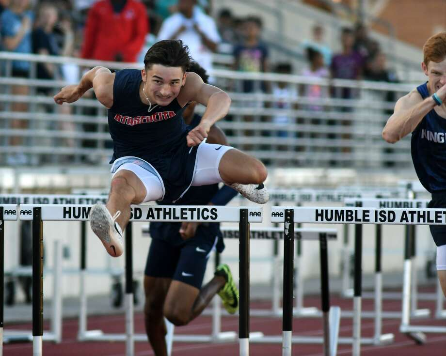 Atascocita's Dillon Potter pushes to the finish line in the Boys 110 Meter Hurdles at the 22-6A District Track Meet at Turner Stadium in Humble on April 10, 2019. Photo: Jerry Baker, Houston Chronicle / Contributor / Houston Chronicle
