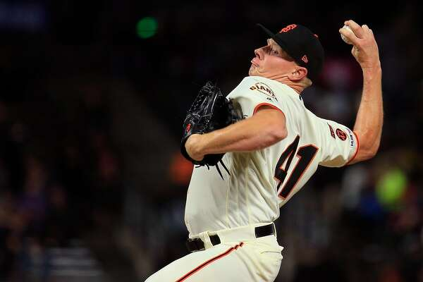 SAN FRANCISCO, CALIFORNIA - APRIL 09: Mark Melancon #41 of the San Francisco Giants pitches during the ninth inning against the San Diego Padres at Oracle Park on April 09, 2019 in San Francisco, California. (Photo by Daniel Shirey/Getty Images)