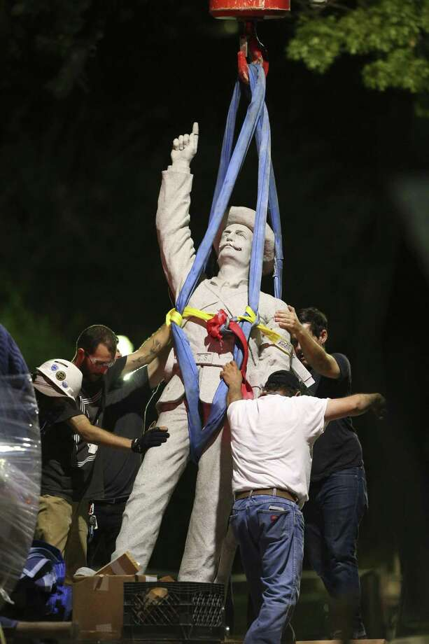 A reader says the Confederate statue removed from Travis Park in 2017 should be returned there. Photo: Tom Reel /Staff File Photo / 2017 SAN ANTONIO EXPRESS-NEWS