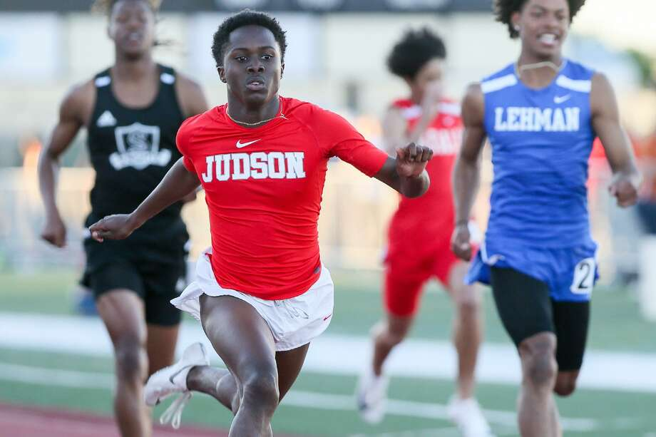 Judson's Dre'Quan Crawford won the 200-meter dash, ran the third leg in the winning 400 relay and anchored the winning 1,600 relay. Crawford ran a personal best 21.45 in the 200 preliminaries. Photo: Photos By Marvin Pfeiffer / Staff Photographer / Express-News 2019