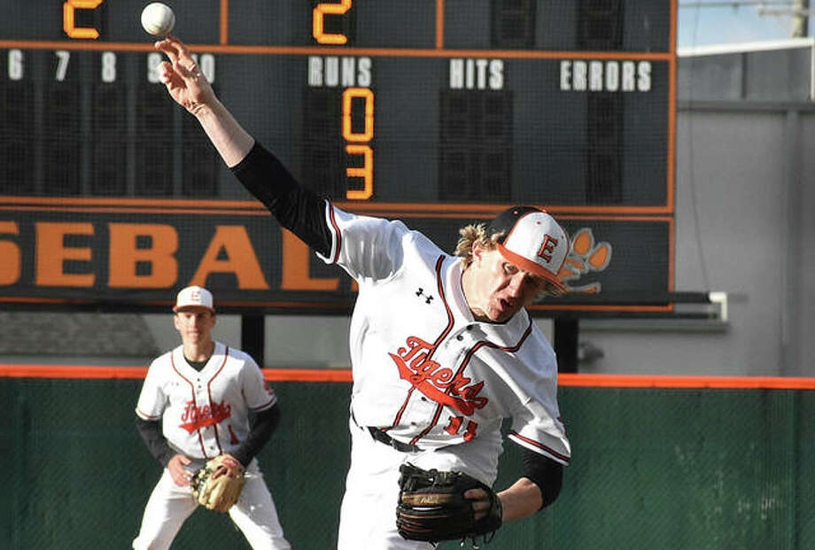 Edwardsville reliever Will Range delivers a pitch in the sixth inning against Francis Howell at Tom Pile Field. Photo: Matt Kamp/The Intelligencer