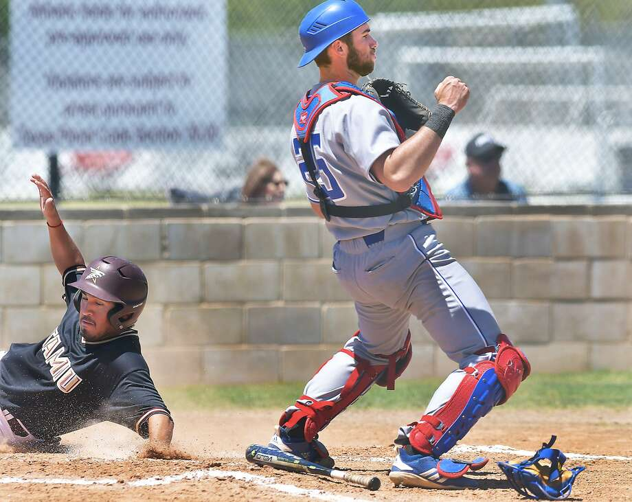 TAMIU stunned No. 23 Lubbock Christian on Friday winning 15-10, handing the first-place team their only series loss of 2019. Anthony Handel finished 4-for-5 with three runs and three RBIs. Photo: Cuate Santos /Laredo Morning Times / Laredo Morning Times