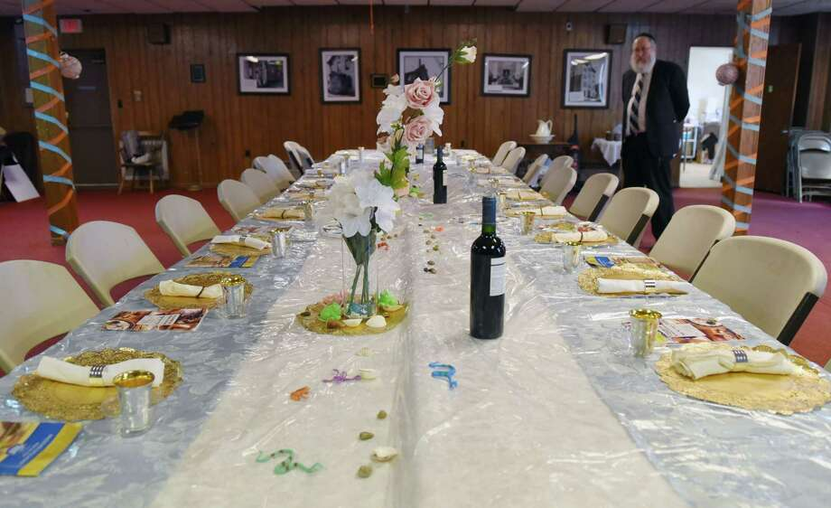 Rabbi's Seder inspires students - Times Union