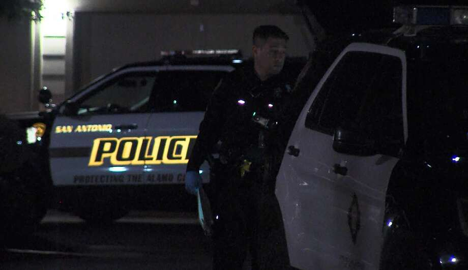 San Antonio police investigate a fatal shooting on the far West Side overnight April, 20, 2019. Photo: 21 Pro Video