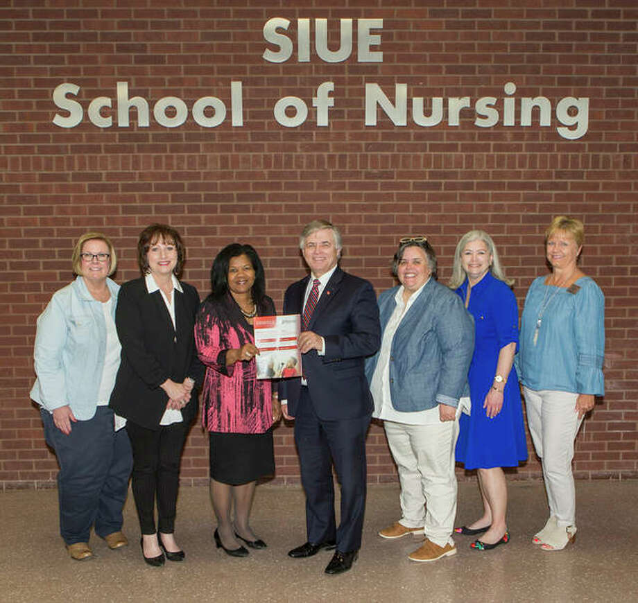 Roberta Harrison, SON associate dean for academic programs and community/global partnerships, SON Dean Laura Bernaix, SCC President Dr. Peggy Bradford, SIUE Chancellor Randy Pembrook, SIUE Provost and Vice Chancellor for Academic Affairs Denise Cobb, SON Director of RN-BS Program Sheri Compton-McBride and SON Interim Assistant Dean of Undergraduate Programs Ann Popkess.