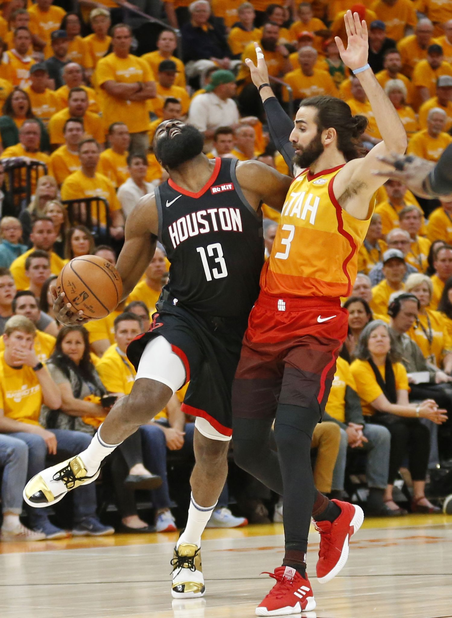 07326bf6be2f Rockets change up offense to even more James Harden attacking one-on-one -  HoustonChronicle.com