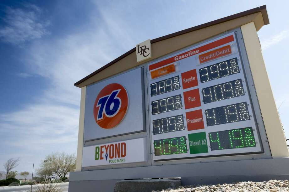 Gas Prices In California >> California S Drivers May Soon Be Paying 4 A Gallon For