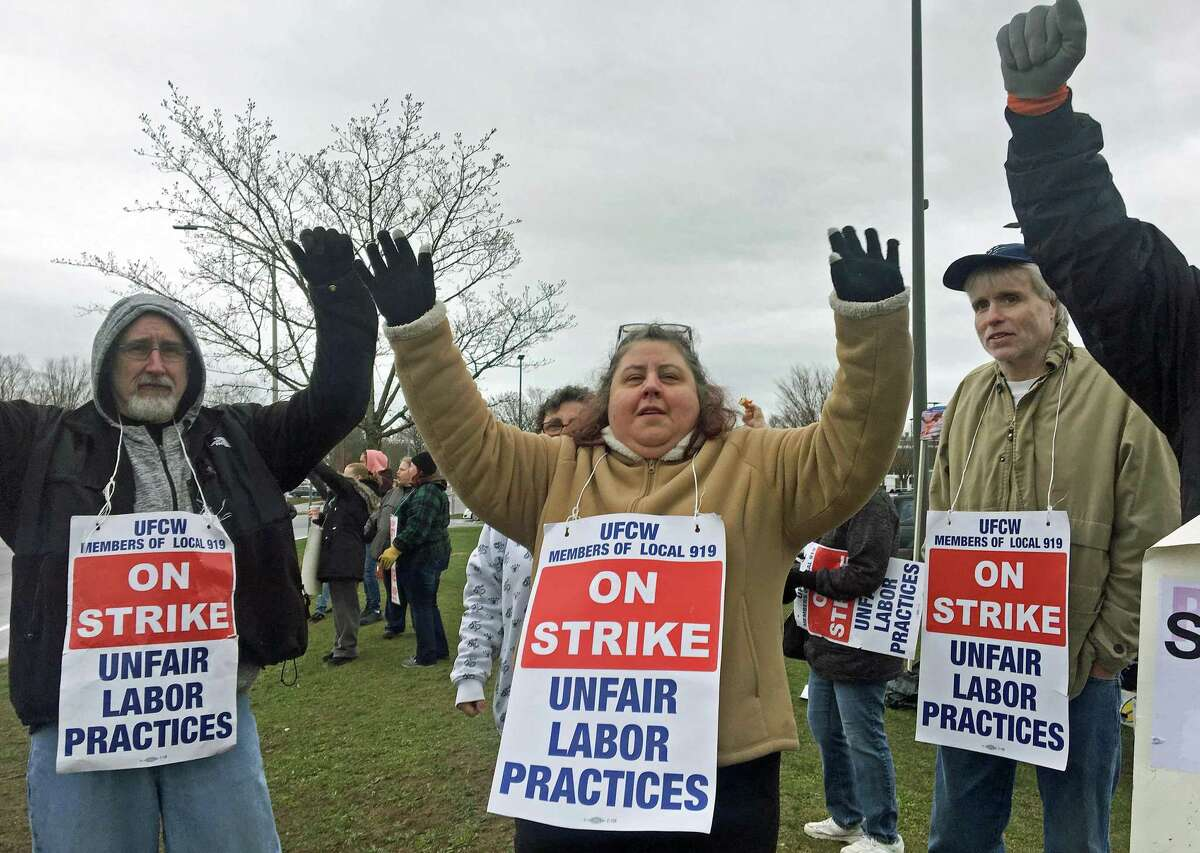 Striking Stop & Shop workers outside the East Haven store.