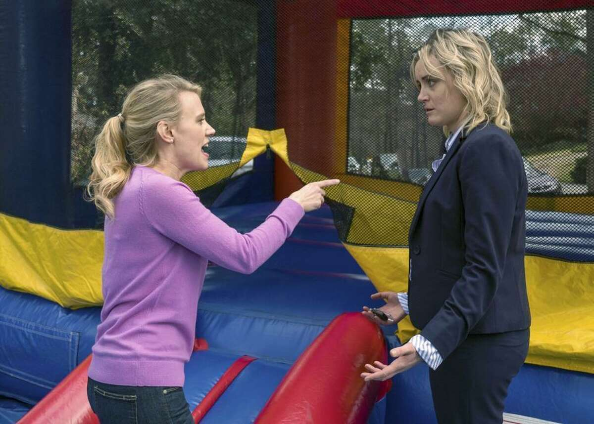 Kate McKinnon and Taylor Schilling in 'Family'