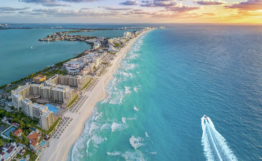 San Francisco International is getting a new nonstop to Cancun on JetBlue Photo: Expedia