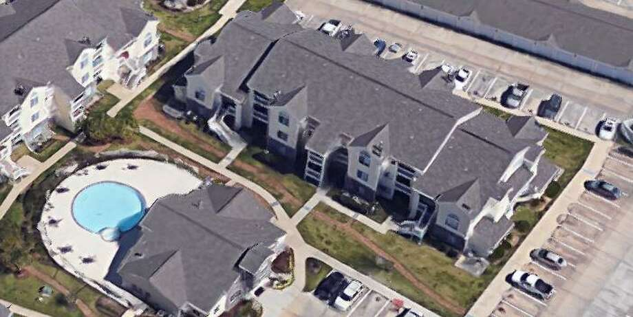 Shenandoah Police th Park at Woodmoor apartments about the disturbance where a man aiming a rifle was eventually shot by an officer. Photo: Courtesy Of Google Maps