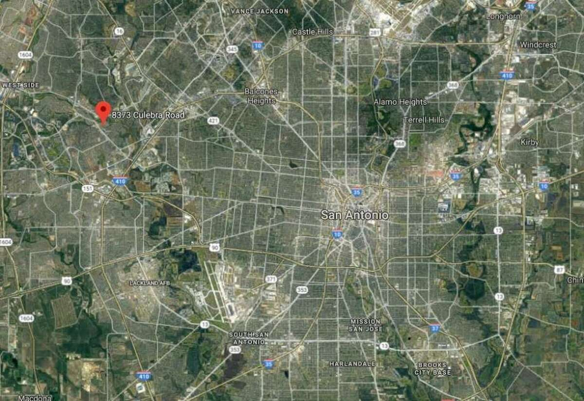 April 21, 2019 Authorities say two people are dead after a small plane crashed in Texas. The crash happened near the airstrip at the Shirley Williams Airport in Kingsland, about 50 miles (80 kilometers) northwest of Austin. The Texas Department of Public Safety says two people who were aboard the plane died in the crash.
