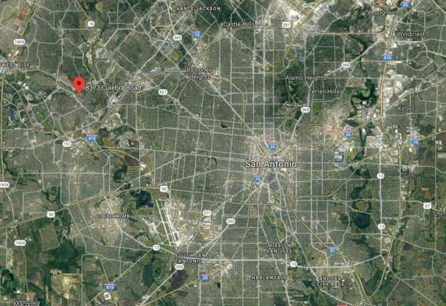 April 21, 2019  Authorities say two people are dead after a small plane crashed in Texas.  The crash happened near the airstrip at the Shirley Williams Airport in Kingsland, about 50 miles (80 kilometers) northwest of Austin. The Texas Department of Public Safety says two people who were aboard the plane died in the crash. Photo: Google Maps