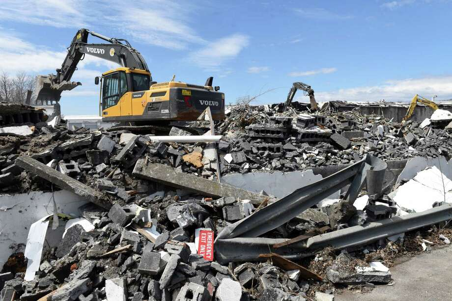 Warehouses at the former Beech Nut baby food factory are demolished on Monday, April 22, 2019, in Canajoharie, N.Y.  (Will Waldron/Times Union) Photo: Will Waldron, Albany Times Union