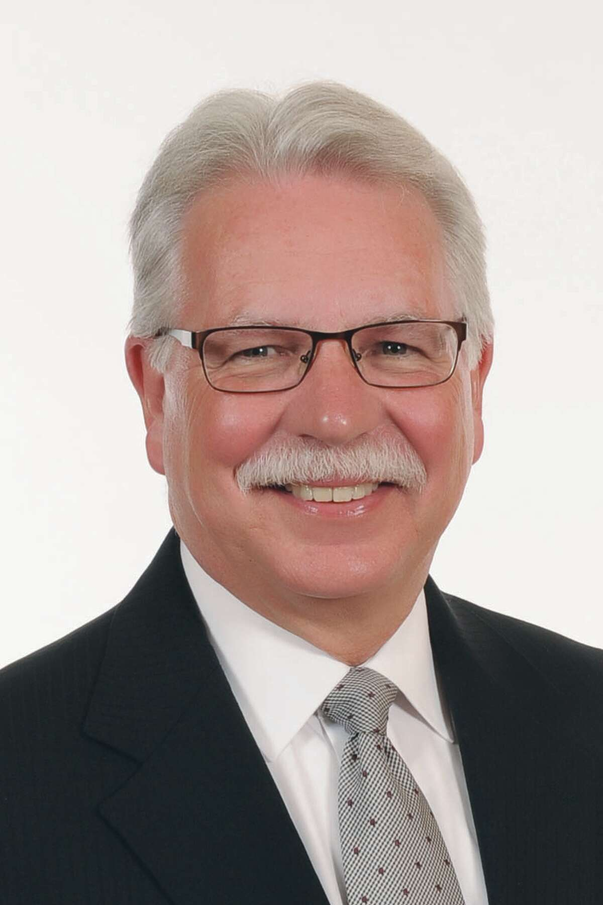 Tim Kremer, the longtime executive director of the state School Boards Association will retire at the end of the year.