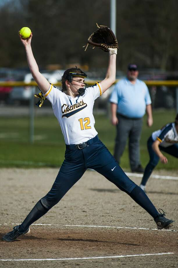 Midland's Maggie Gomola pitches the ball during a game against Lapeer on Monday, April 22, 2019 at Midland High School. (Katy Kildee/kkildee@mdn.net) Photo: (Katy Kildee/kkildee@mdn.net)