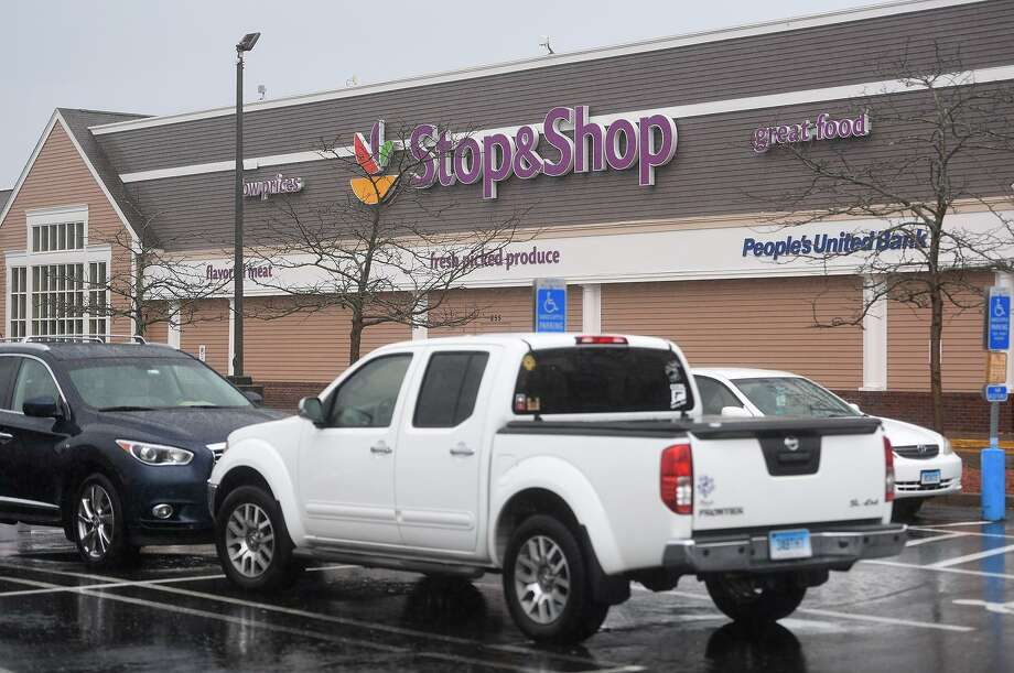 The Stop & Shop at 855 Bridgeport Avenue in Milford, Conn. on Monday, April 22, 2019. An 11 day strike by employees ended at the grocery store chain after a tentative agreement was reached on Sunday. Photo: Brian A. Pounds / Hearst Connecticut Media / Connecticut Post