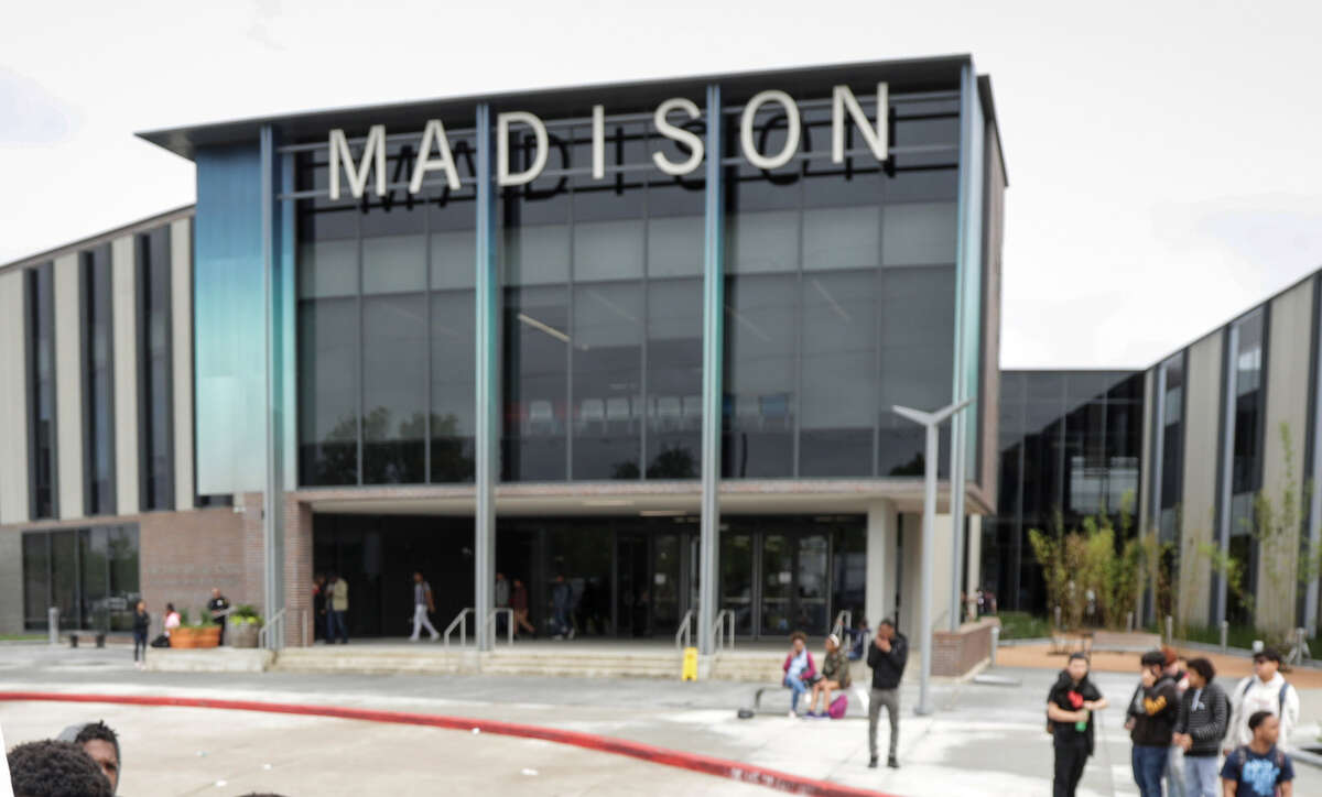 James Madison High School will turn away parents if they show up at the school wearing bonnets, pajamas, hair rollers or leggings, among other clothing items, according to a memo signed by the school's new principal, Carlotta Outley Brown.