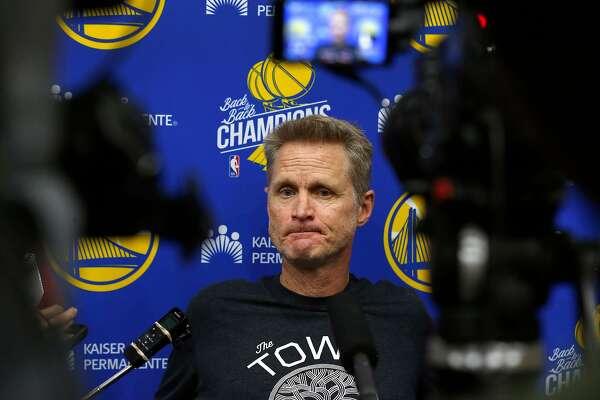Luke Walton situation a trying time for his friend, Warriors head coach Steve Kerr