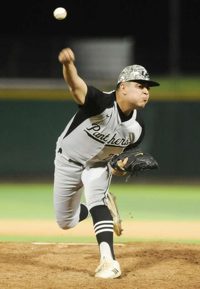 Hector Alva and United South are trying to win three playoff series for the first time in program history as they take on Los Fresnos. Photo: Danny Zaragoza / Laredo Morning Times File