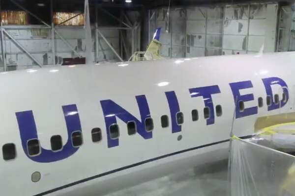 A key feature of United's new livery are giant block letter and a blue and while fuselage
