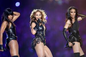 NEW ORLEANS, LA - FEBRUARY 03:  Kelly Rowland, Beyonce and Michelle Williams perform during the Pepsi Super Bowl XLVII Halftime Show at the Mercedes-Benz Superdome on February 3, 2013 in New Orleans, Louisiana.  (Photo by Ezra Shaw/Getty Images) *** Local Caption *** Kelly Rowland; Beyonce Knowles; Michelle Williams