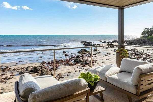Golden State Warriors star Kevin Durant is selling his Malibu home for $13.495 million.