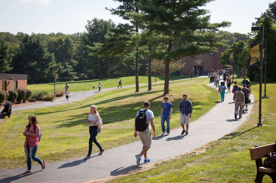 Middlesex Community College will offer a Central Connecticut State University engineering course at the Middletown campus during the fall semester. Photo: Contributed Photo