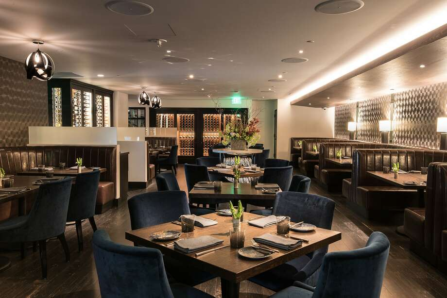 The dining room at the Vault at 555 California St. Photo: Hi Neighbor Hospitality Group