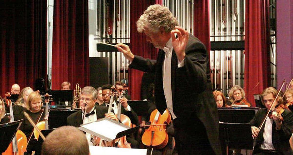 Maestro Shane Williams conducting the Alton Symphony Orchestra.