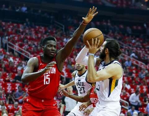 b340b2ef6b6 <p>Houston Rockets center Clint Capela (15) defends Utah Jazz guard Ricky