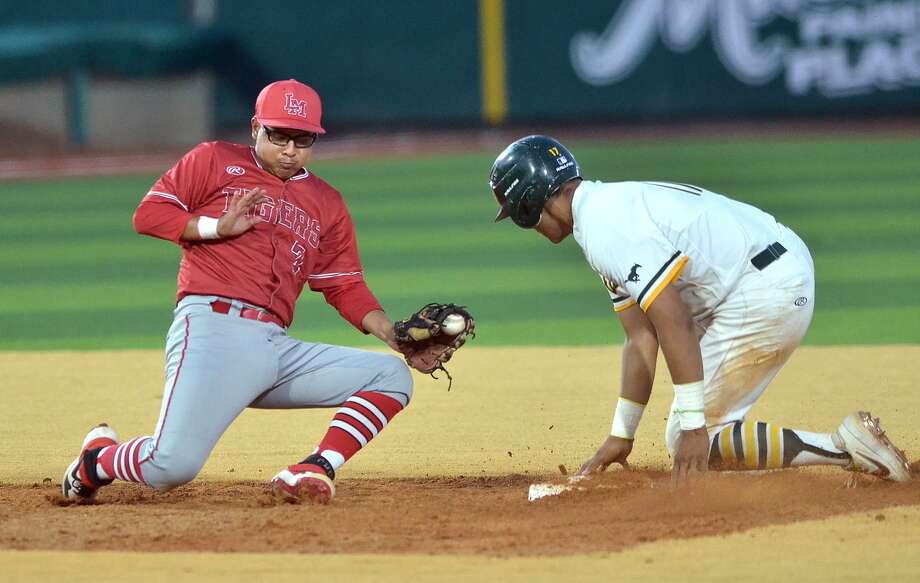 Bryan Aguilar and Martin came back to defeat crosstown rival Nixon Wednesday at Uni-Trade Stadium. Photo: Cuate Santos /Laredo Morning Times / Laredo Morning Times