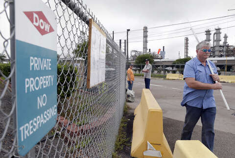 Harris County commissioners back locked out Dow workers amid safety