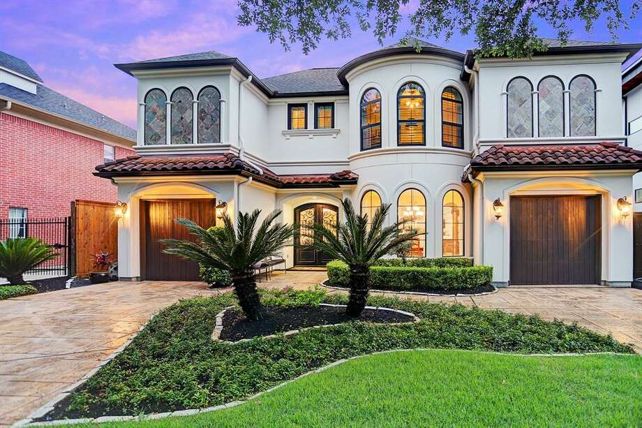 A home for sale in the Bellaire neighborhood, where the median home sales price is $965,000. NEXT: Here's a look inside jaw-dropping homes for sale near Houston's top-ranked high schools Photo: Houston Association Of Realtors