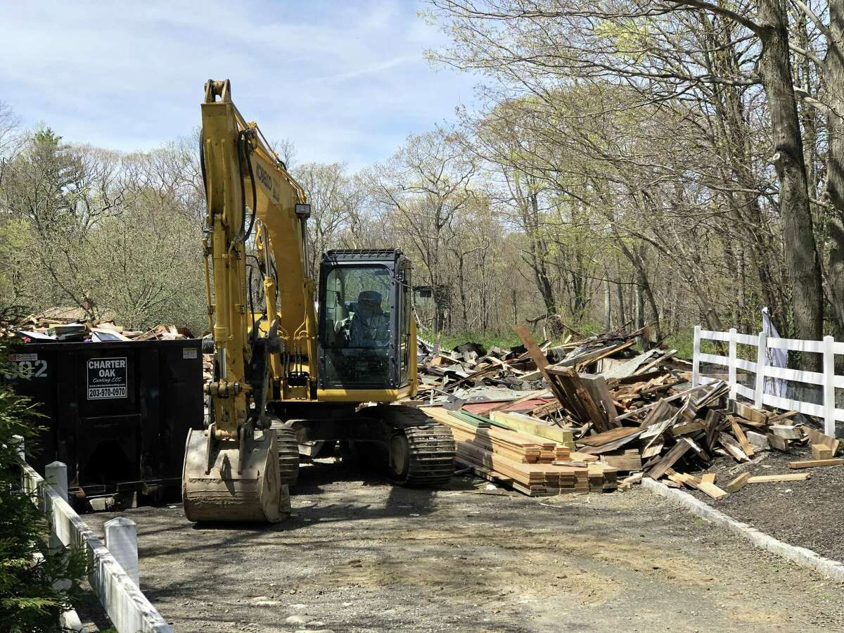 State Police say one man is dead after a barn collapsed 81 Litchfield Turnpike on Thursday morning.