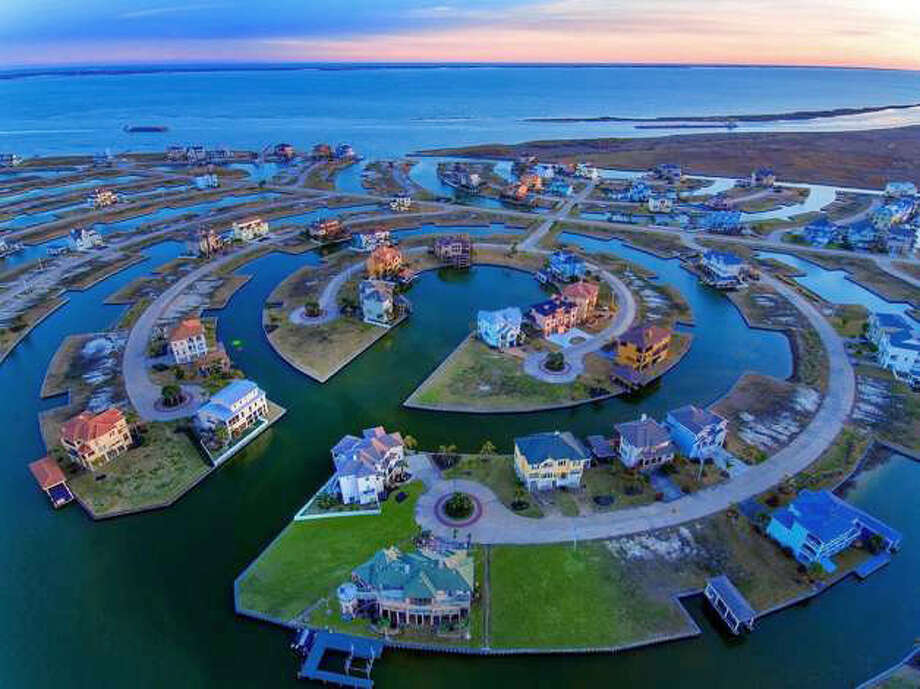 >>>Take a tour through a stunning coastal living community HarborWalk and its on-the-market waterfront homes... Photo: Houston Association Of Realtors