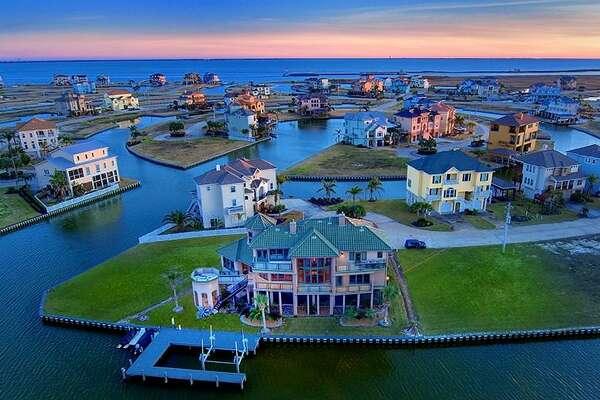 28 Fleming, Galveston$1.28 million / 3,715 square feet