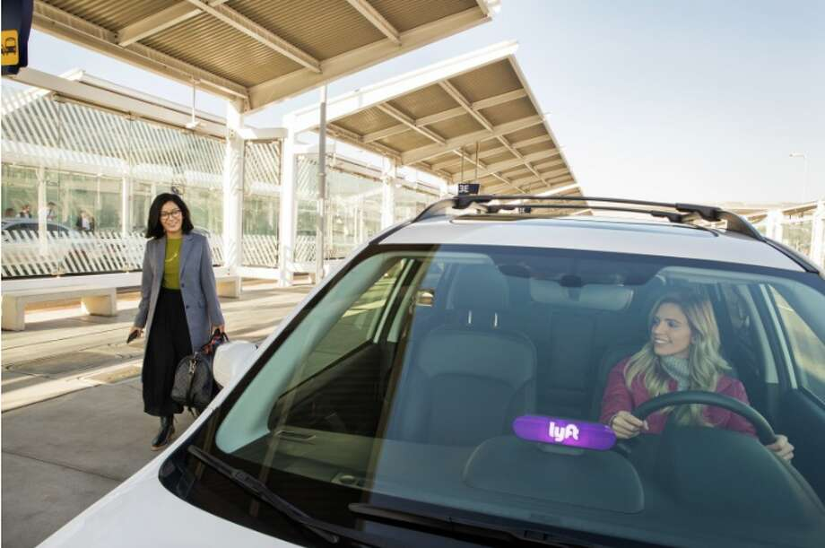 Lyft is testing taxi-style queues for cars at San Diego airport. San Francisco could use it, too! Photo: Lyft